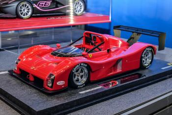 Nuremberg 2018 : BBR : Photo de la Ferrari 333SP Rouge au 1/18