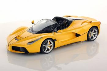 MR Models : Autres photos de la Ferrari LaFerrari Aperta Giallo Tristrato 1/18