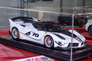 Nuremberg 2019 : MR Models : Photo de la Ferrari FXXK Evo #70 au 1/18