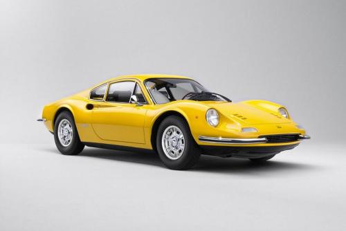 Kyosho : A venir : Dino 246 GT Resin Collection Jaune 1/18