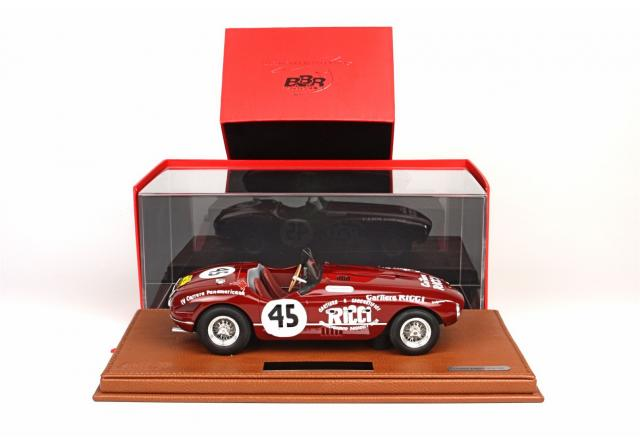 BBR : Photos de la Ferrari 340 Spider Vignale #45 4° Carrera Panamericana 1953 en Display Case 1/18