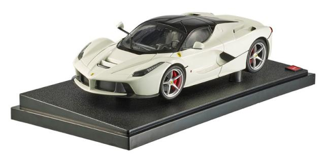 HotWheels : Photos officielles de la Ferrari LaFerrari blanche au 1/18