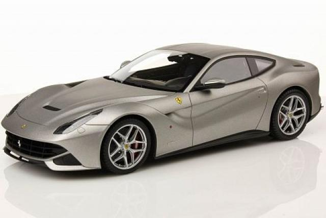 Photos de la Ferrari F12 Berlinetta Alluminio MR Models 1/18